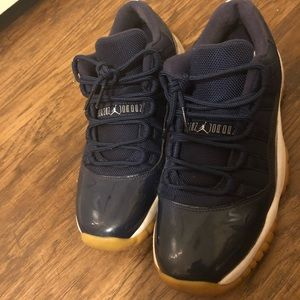 NAVY GUM 11s LOW